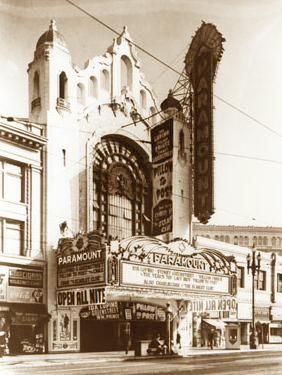 Paramount Theater, San Francisco (circa 1945).