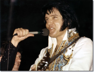 Elvis Presley at the Cow Palace (Novembr 28 ,1976).