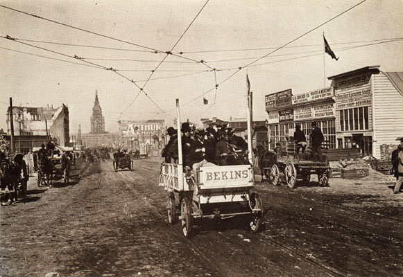 Market Street during the streetcar strike (1907).